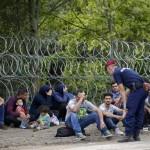 """Ungheria blinda frontiera Merkel: """"Subito hotspot in Italia"""""""